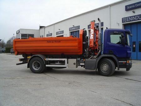 Scania P280 Atlas 96.3 hüdrotõstuki ning VDL SK-14 konksliftiga