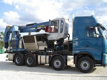 Volvo FH Bruks puiduhakkur Epsilon Q170L metsatostuk