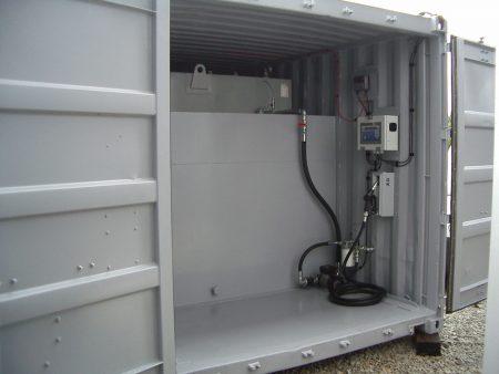 6m merekonteineri baasil topeltseinaga diiselkütuse tankla